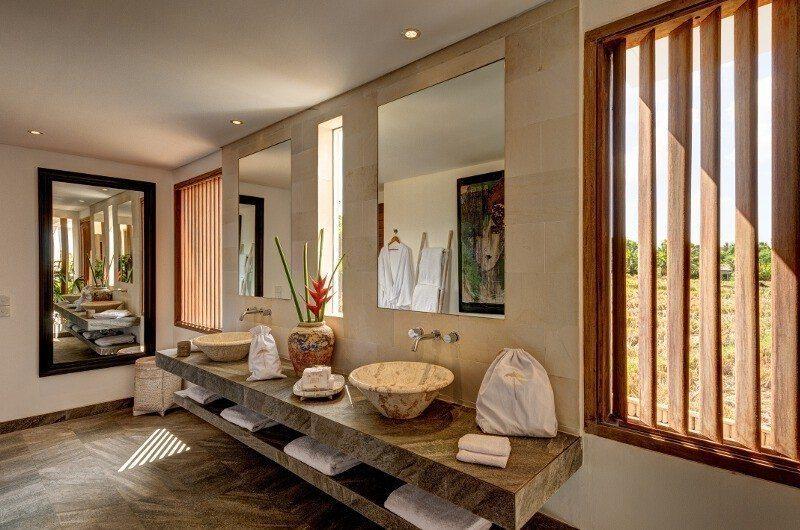 Abaca Villas Bathroom with Mirror, Petitenget | 5 Bedroom Villas Bali