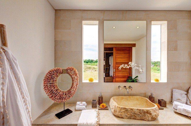 Abaca Villas Bathroom, Petitenget | 5 Bedroom Villas Bali
