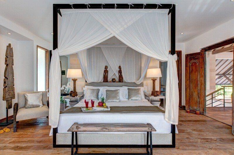 Abaca Villas Bedroom with Seating Area, Petitenget | 5 Bedroom Villas Bali