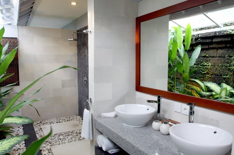 Anyar Estate His and Hers Bathroom, Umalas | 5 Bedroom Villas Bali