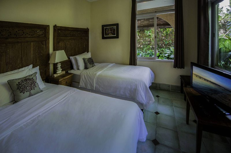 Anyar Estate Twin Bedroom with TV, Umalas | 5 Bedroom Villas Bali