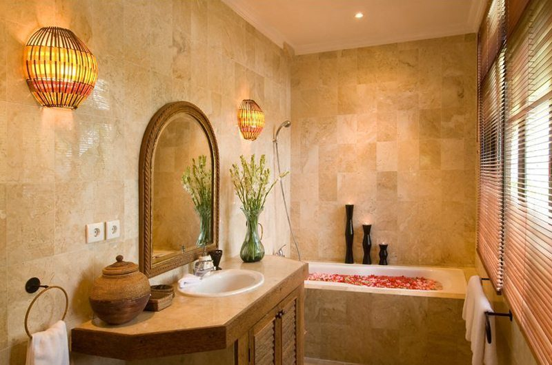 Anyar Estate Romantic Bathtub Set Up, Umalas | 5 Bedroom Villas Bali