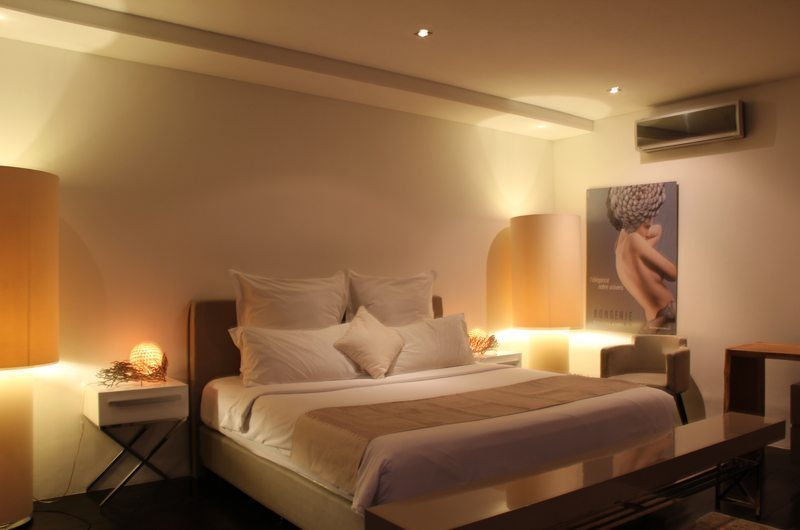 Casa Hannah Bedroom with Table Lamps, Seminyak | 5 Bedroom Villas Bali