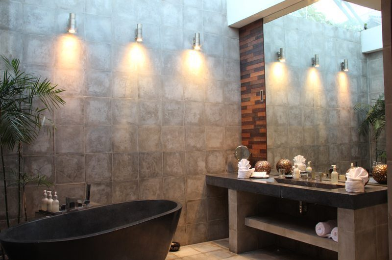 Casa Hannah Bathroom with Mirror, Seminyak | 5 Bedroom Villas Bali