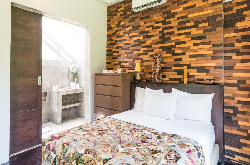 Casa Hannah Bedroom with Table Lamp, Seminyak | 5 Bedroom Villas Bali