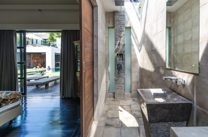 Casa Hannah Bedroom and Bathroom, Seminyak | 5 Bedroom Villas Bali