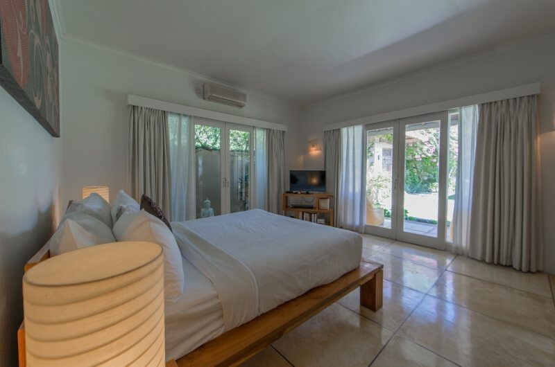 Casa Lucas Spacious Bedroom with TV, Seminyak | 5 Bedroom Villas Bali
