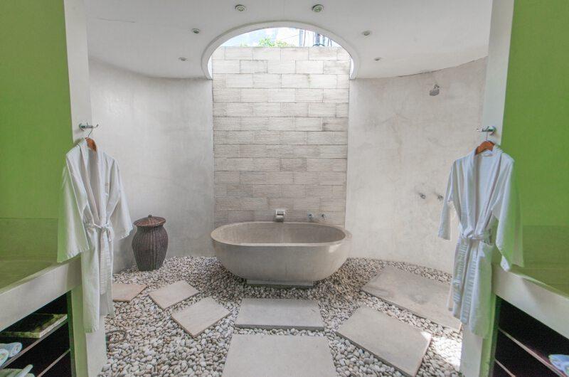 Casa Mateo Semi Open Bathtub, Seminyak | 5 Bedroom Villas Bali