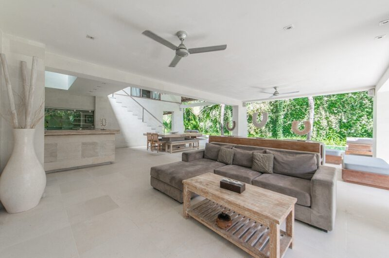 Casa Mateo Living and Dining Area, Seminyak | 5 Bedroom Villas Bali