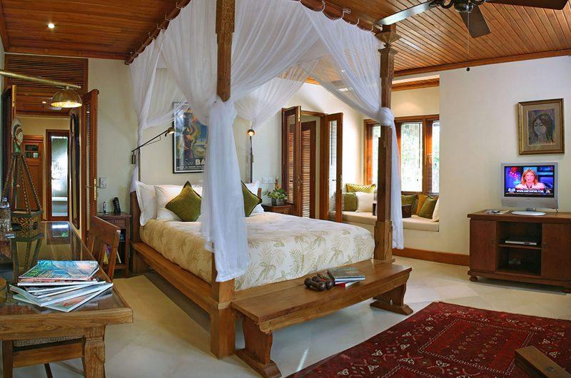 Des Indes Villas Bedroom with TV, Seminyak | 5 Bedroom Villas Bali