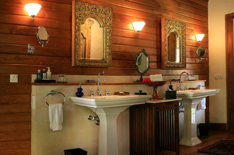 Des Indes Villas His and Hers Bathroom, Seminyak | 5 Bedroom Villas Bali