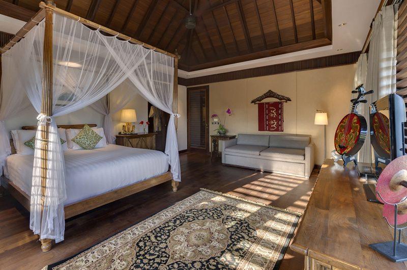 Des Indes Villas Bedroom with Sofa, Seminyak | 5 Bedroom Villas Bali