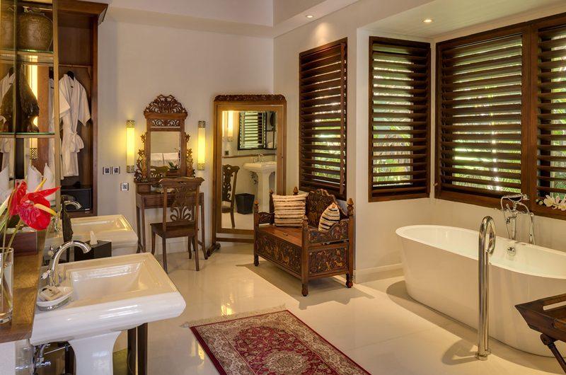 Des Indes Villas En-Suite Bathroom, Seminyak | 5 Bedroom Villas Bali