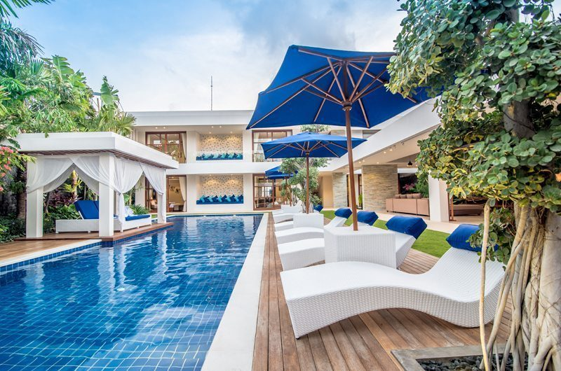 Freedom Villa Reclining Sun Loungers, Petitenget | 5 Bedroom Villas Bali