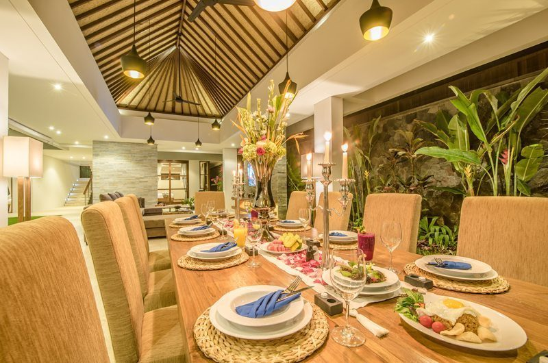 Freedom Villa Dining Table with Crockery, Petitenget | 5 Bedroom Villas Bali