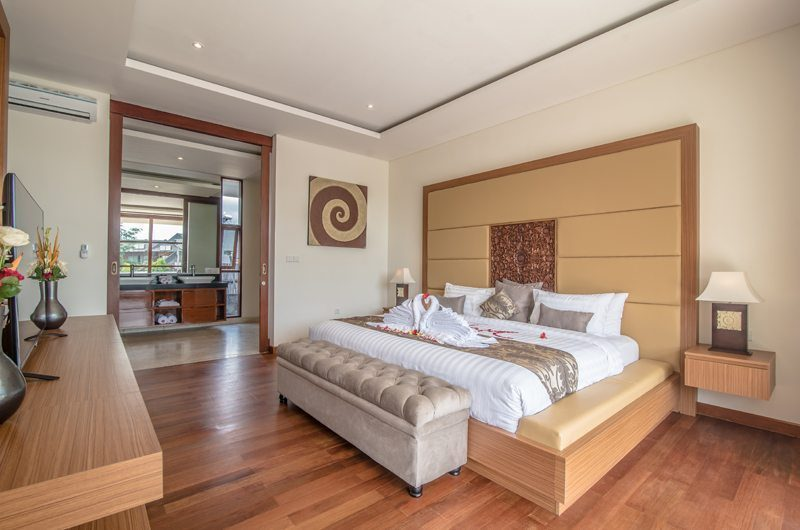 Freedom Villa Bedroom with TV, Petitenget | 5 Bedroom Villas Bali