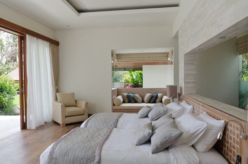 Kemala Villa Twin Bedroom with Sofa, Canggu | 5 Bedroom Villas Bali