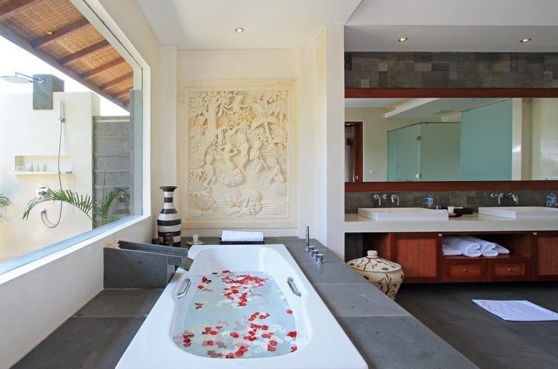 Kemala Villa His and Hers Bathroom, Canggu | 5 Bedroom Villas Bali