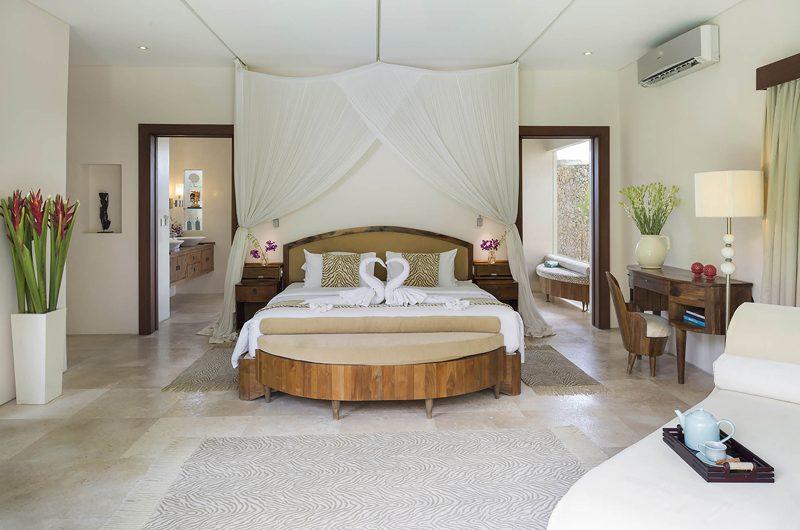 Lataliana Villas Bedroom and En-Suite Bathroom, Seminyak | 5 Bedroom Villas Bali