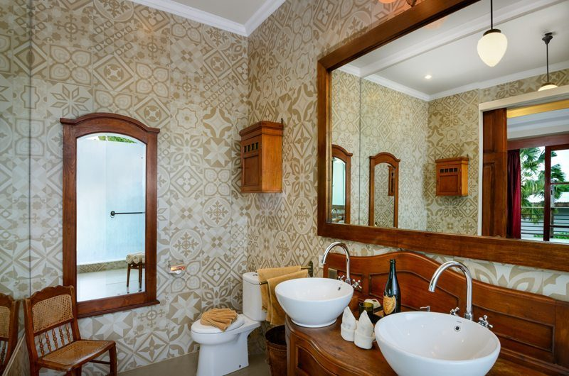 Niconico Mansion His and Hers Bathroom, Petitenget | 5 Bedroom Villas Bali