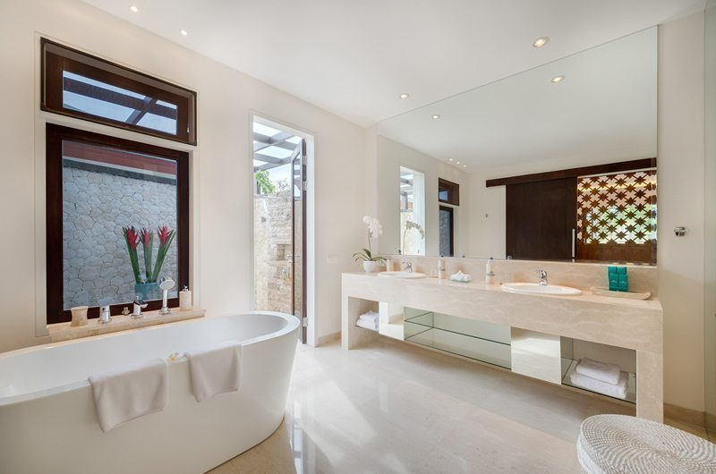 Pandawa Cliff Estate En-Suite Bathroom, Ungasan | 5 Bedroom Villas Bali