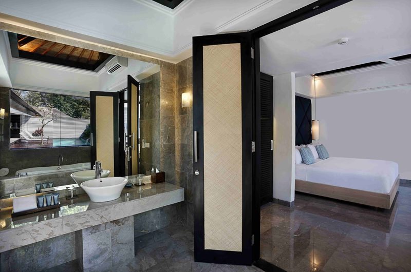 Peppers Seminyak Bedroom and En-Suite Bathroom, Seminyak | 5 Bedroom Villas Bali