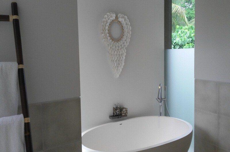 Seseh Beach Villas Bathtub, Seseh | 5 Bedroom Villas Bali