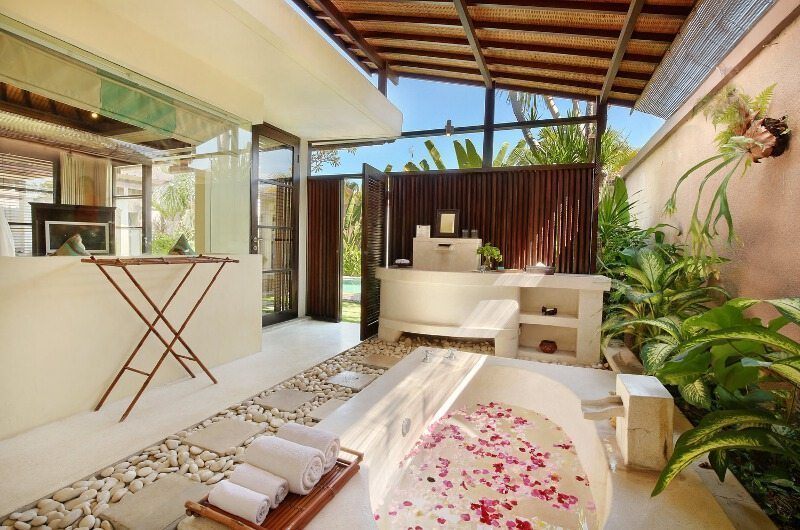The Bli Bli Villas Semi Open Bathtub, Seminyak | 5 Bedroom Villas Bali