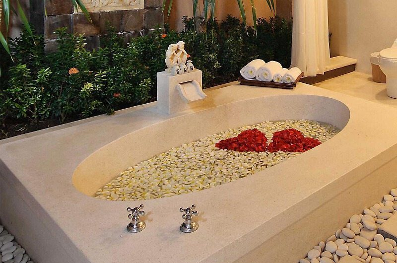 The Bli Bli Villas Romantic Bathtub Set Up, Seminyak | 5 Bedroom Villas Bali