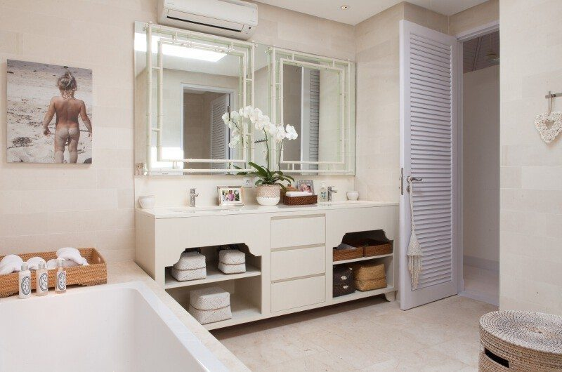 The Cotton House Bathroom with Bathtub, Seminyak | 5 Bedroom Villas Bali