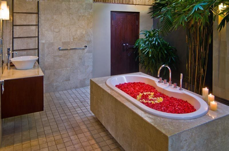 The Residence Romantic Bathroom Set Up, Seminyak | 5 Bedroom Villas Bali