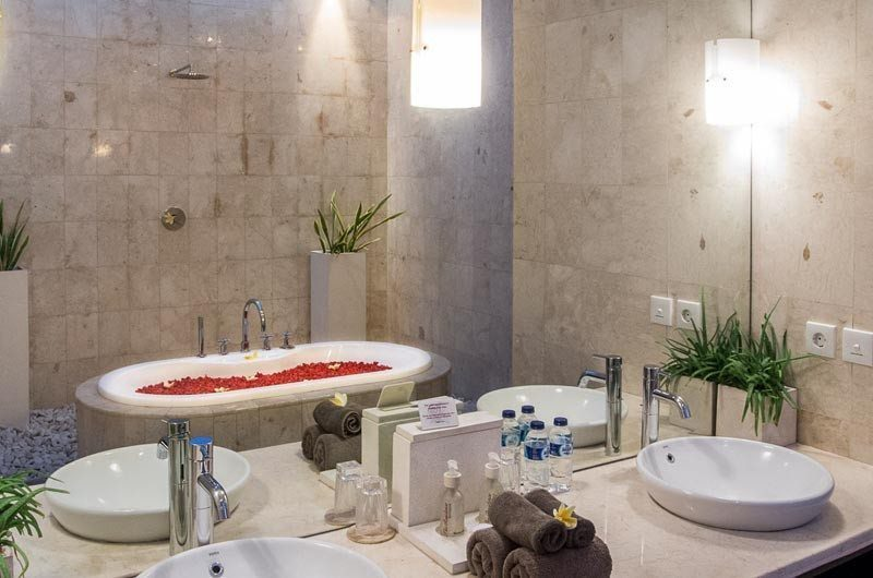 The Residence Romantic Bathtub Set Up, Seminyak | 5 Bedroom Villas Bali