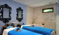 The Shanti Residence Spa Room with Bathtub, Nusa Dua | 5 Bedroom Villas Bali