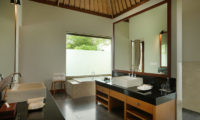 The Shanti Residence His and Hers Bathroom with Bathtub, Nusa Dua | 5 Bedroom Villas Bali