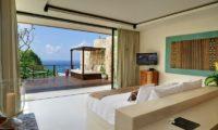 The Ungasan Clifftop Resort Villa Ambar Bedroom with Sea View, Uluwatu | 5 Bedroom Villas Bali