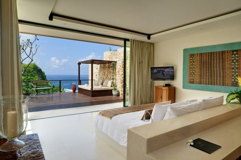 The Ungasan Clifftop Resort Villa Ambar Bedroom with Sea View, Uluwatu | 5 Bedroom Villas Bali