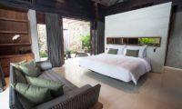 The Ungasan Clifftop Resort Villa Jamadara Bathroom with Seating Area, Uluwatu | 5 Bedroom Villas Bali