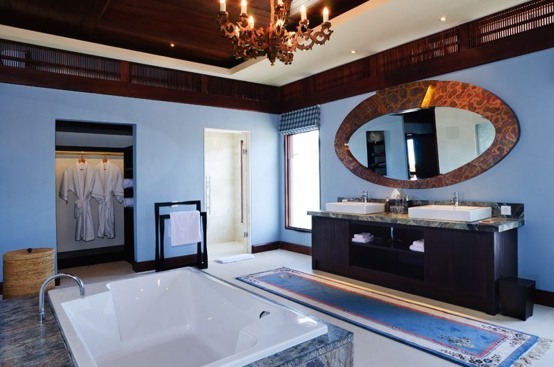 The Ungasan Clifftop Resort Villa Santai Sorga En-Suite Bathroom, Uluwatu | 5 Bedroom Villas Bali