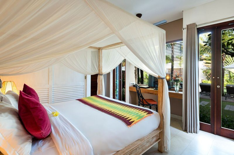 Villa Abakoi Bedroom with TV, Seminyak | 5 Bedroom Villas Bali