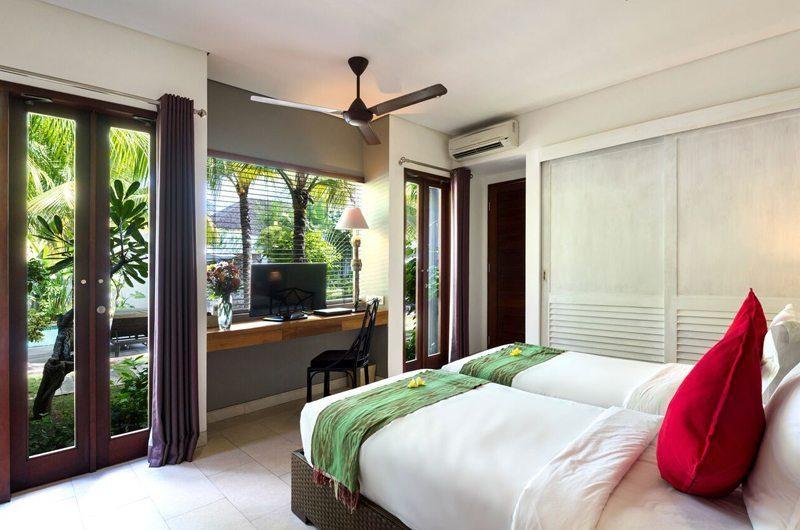 Villa Abakoi Twin Bedroom with TV, Seminyak | 5 Bedroom Villas Bali