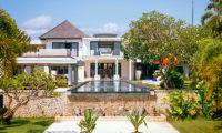 Villa Anucara Tropical Garden, Seseh   5 Bedroom Villas Bali
