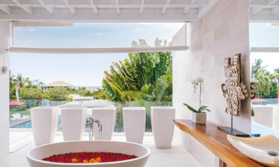 Villa Anucara Romantic Bathtub Set Up, Seseh | 5 Bedroom Villas Bali