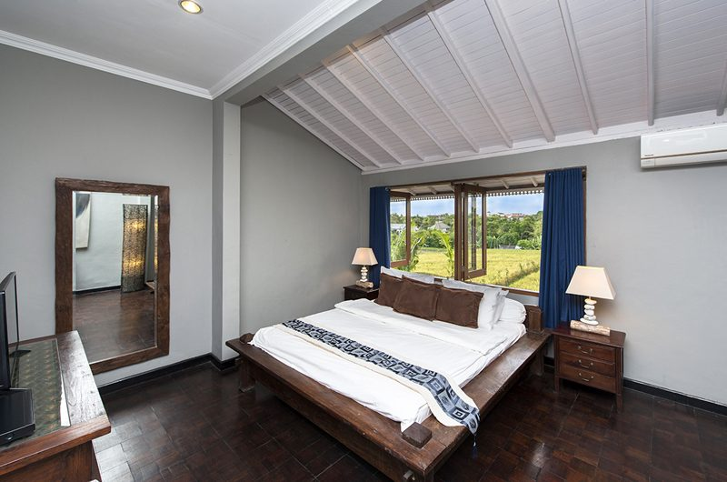 Villa Anyar Bedroom with Wooden Floor, Umalas | 5 Bedroom Villas Bali