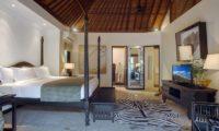 Villa Avalon Bali Spacious Bedroom with TV, Canggu   5 Bedroom Villas Bali