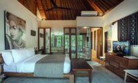 Villa Avalon Bali Bedroom with TV, Canggu   5 Bedroom Villas Bali