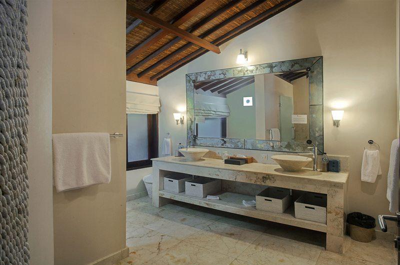 Villa Avalon Bali His and Hers Bathroom, Canggu   5 Bedroom Villas Bali
