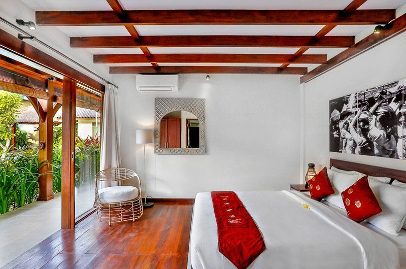Villa Bibi Bedroom with Seating Area, Kerobokan | 5 Bedroom Villas Bali