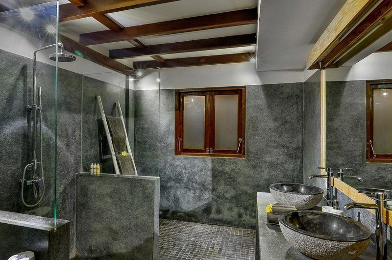 Villa Bibi His and Hers Bathroom, Kerobokan | 5 Bedroom Villas Bali