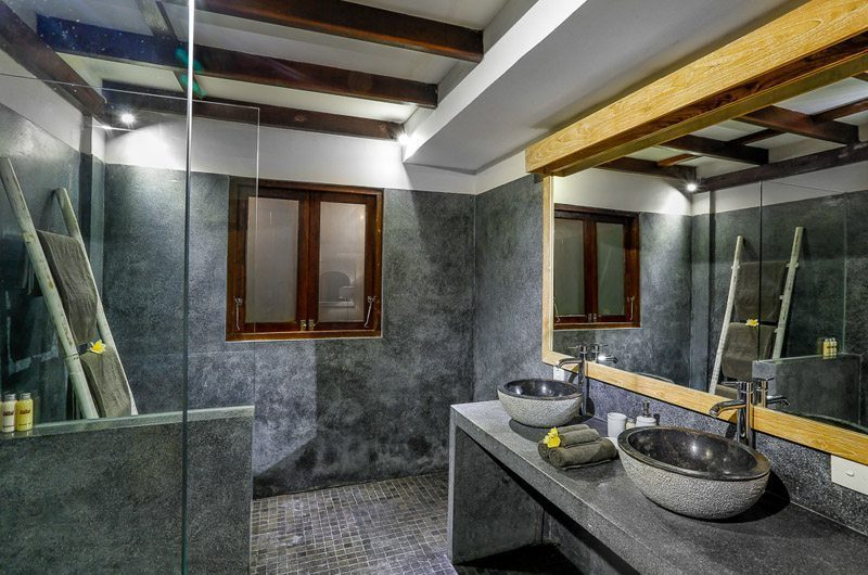Villa Bibi His and Hers Bathroom with Mirror, Kerobokan | 5 Bedroom Villas Bali