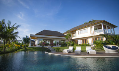 Villa Breeze Sun Loungers, Canggu | 5 Bedroom Villas Bali